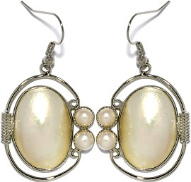 Mother of Pearl Nacre Earrings White Ger1179