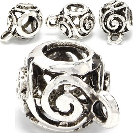 4pc Charm Round Silver BD370