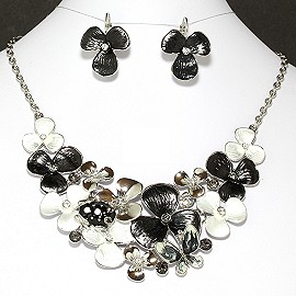 Necklace Earrings Set Flower Black White FNE903