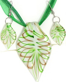 Glass Pendant Box Set Leaf White Green PDT17